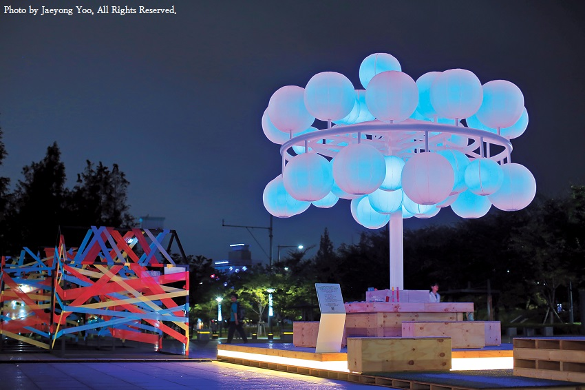 Sculptures light the night at urban exhibit