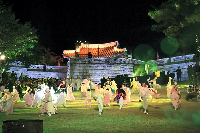 Busan's history alive and well in festivals