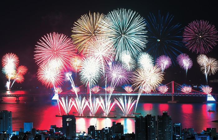 Busan fireworks festival gives city explosive night on Nov. 2