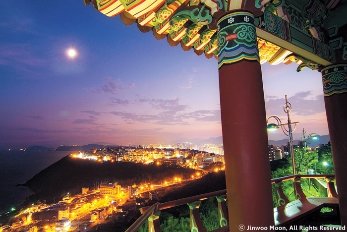 Where to go and what to see on a Busan walking tour