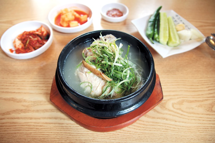 [Local Eateries] Samgyetang, noodles and steamed chicken